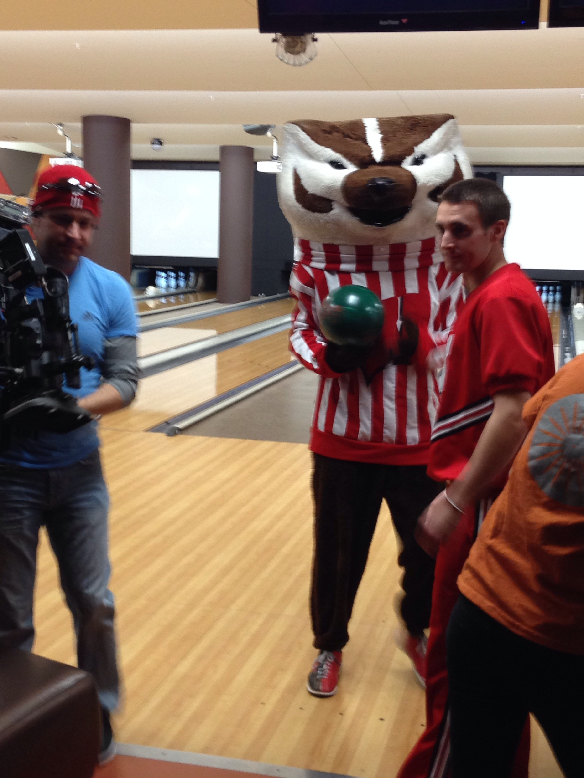 ESPNU reps face off with Bucky at The Sett